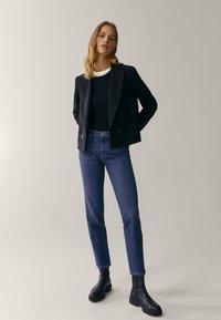 Massimo Dutti - MIT HALBHOHEM BUND  - Slim fit jeans - blue - 1