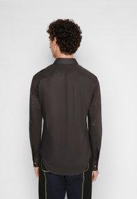Vivienne Westwood - SLIM - Shirt - black - 2