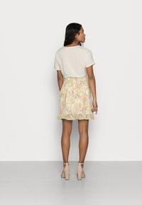VILA PETITE - VISELENE WRAP SKIRT - A-line skirt - birch - 2
