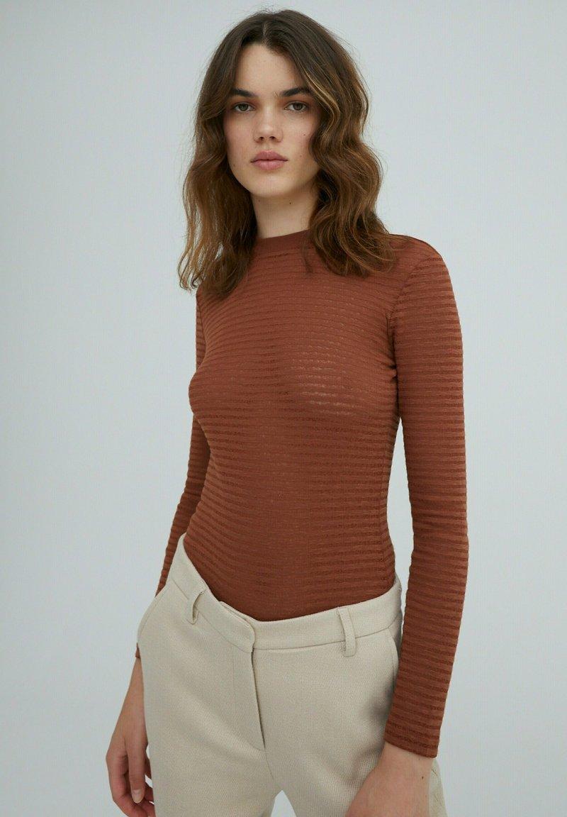 EDITED - AZALEA - Long sleeved top - braun
