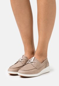 Timberland - BRADSTREET ULTRA BOAT - Casual lace-ups - taupe - 0