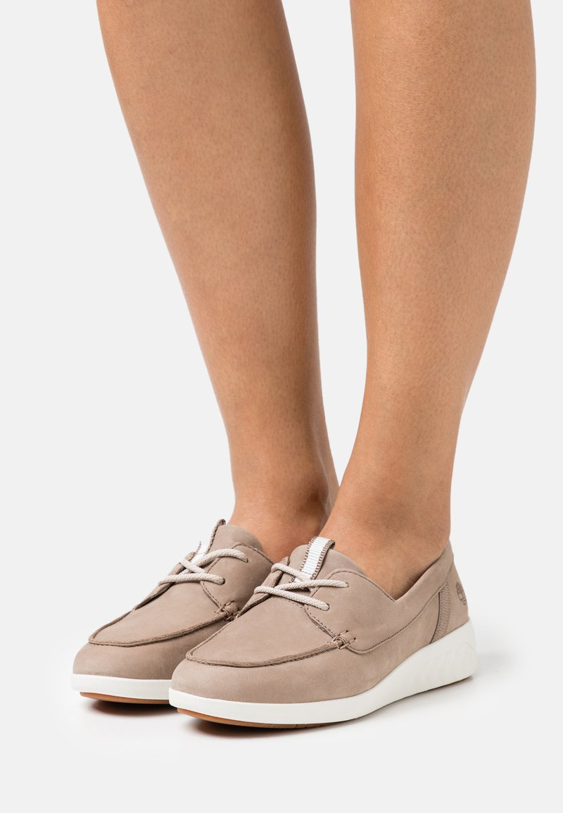 Timberland - BRADSTREET ULTRA BOAT - Casual lace-ups - taupe