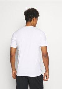 New Era - NEW YORK YANKEES MLB SPLIT GRAPHIC - Club wear - white - 2