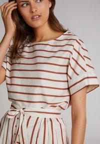 Oui - Print T-shirt - light stone red / pink - 3