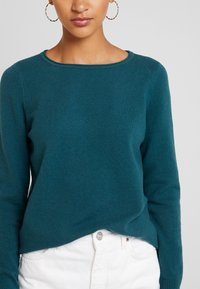 Marc O'Polo - LONGSLEEVE BASIC - Jumper - dusky emerald - 4