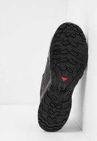 Salomon - XA PRO 3D V8 GTX - Scarpe da trail running - black/phantom - 4