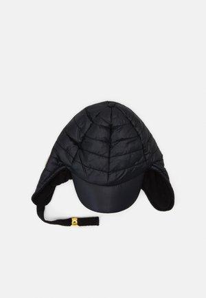 INSULATOR CAP - Čepice - black
