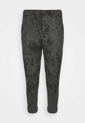 TROP - Pantaloni sportivi - grün