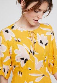InWear - ROISIN DRESS - Robe longue - sunny yellow medium - 4