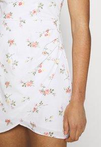 Abercrombie & Fitch - BARE WRAP SHORT DRESS - Kjole - white - 3