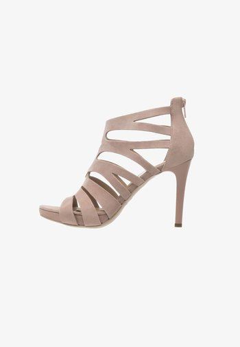 High heeled sandals - phard