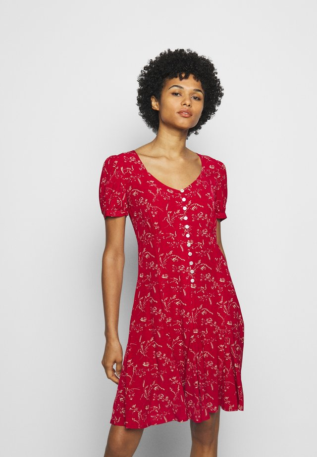 SHORT SLEEVE CASUAL DRESS - Day dress - red