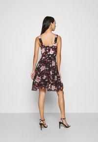 WAL G. - ISABELLE V NECK DRESS - Day dress - floral - 2