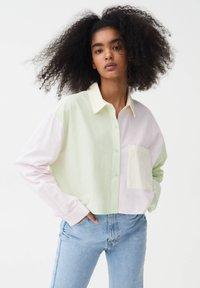 PULL&BEAR - Button-down blouse - mottled light pink - 0