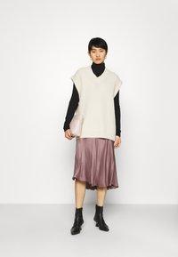 Second Female - EDDY NEW SKIRT - Áčková sukně - peppercorn - 1