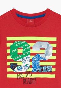 s.Oliver - KURZARM - Print T-shirt - red - 3