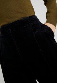 Monki - MONICA TROUSERS - Pantalon classique - blue dark - 5