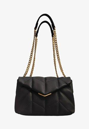 MIT KETTE - Handbag - schwarz