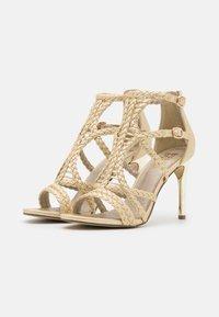Bullboxer - High heeled sandals - light gold - 2