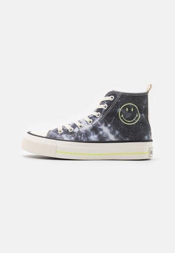VEGAN BRITT RETRO  - Sneakers hoog - black