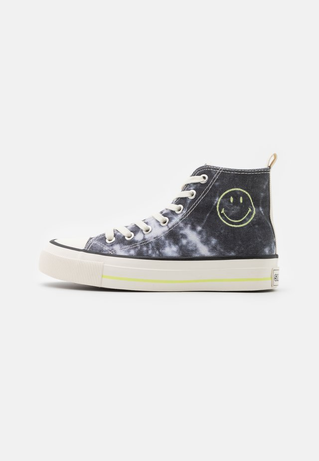 VEGAN BRITT RETRO  - Sneakers hoog - black