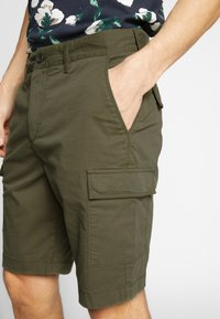 Lyle & Scott - Shorts - lichen green - 3