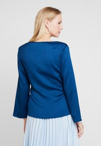 Cortefiel - BLOUSE WITH SIDE BOW DETAIL - Blouse - blues - 2