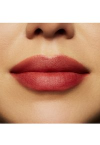 MAC - POWDER KISS LIQUID LIPCOLOUR - Rouge à lèvres liquide - devoted to chili - 3