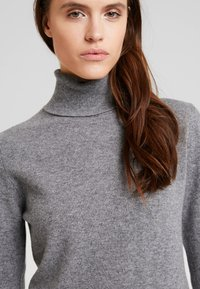 Benetton - TURTLE NECK - Sweter - mid grey - 3