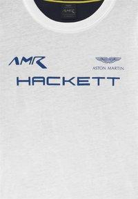 Hackett London - MULTI  - Triko spotiskem - white - 2