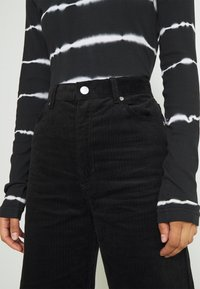 Monki - Trousers - black dark - 6