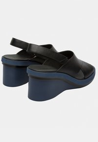 Camper - KYRA - Wedge sandals - schwarz - 3