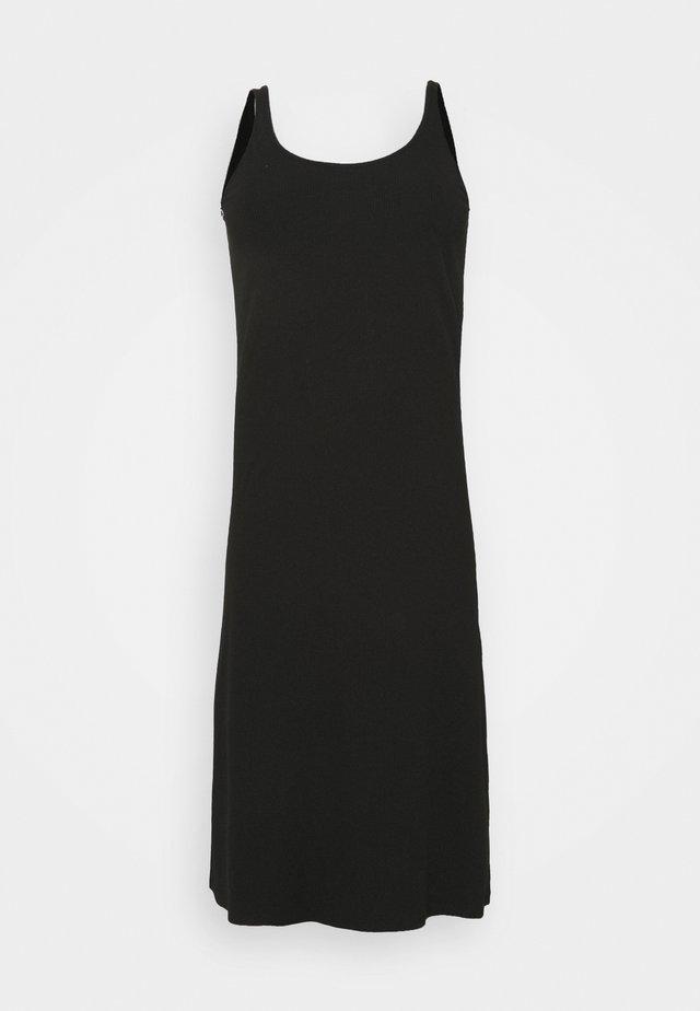 SLFNANNA STRAP DRESS - Žerzejové šaty - black