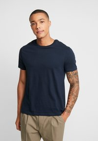 Burton Menswear London - BASIC CREW 5 PACK - Basic T-shirt - navy - 4