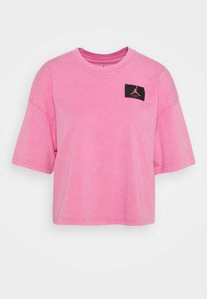 ESSENTIAL BOXY TEE - Print T-shirt - pinksicle