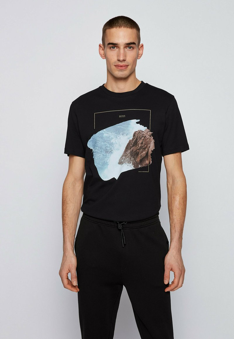 BOSS - NOAH - Print T-shirt - black