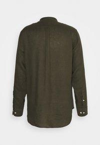 NN07 - JUSTIN - Shirt - dark army - 1