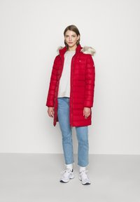 Tommy Jeans - ESSENTIAL HOODED COAT - Down coat - wine red - 1