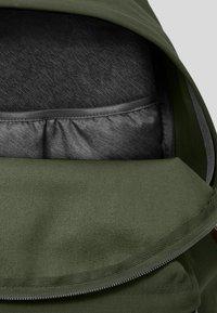 Eastpak - PAK'R  - Mochila - khaki/green - 5