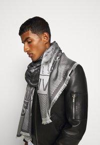 Versace - UNISEX - Scarf - nero/bianco - 0