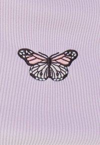 Bershka - T-shirt med print - mauve - 5