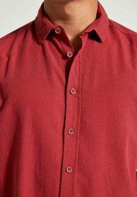 DeFacto - Formal shirt - bordeaux - 4