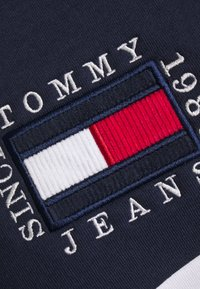 Tommy Jeans - COLOR BLOCK HOODIE - Sweat à capuche - twilight navy/white - 2