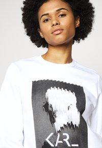 KARL LAGERFELD - LEGEND PRINT - Sweatshirt - white - 3