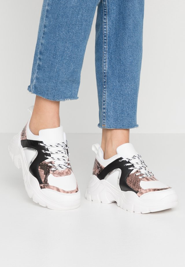 Trainers - white/nude