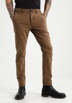 INTERNATIONAL LITE - Chinos - oakwood