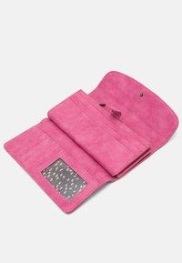 Fritzi aus Preußen - Wallet - squeezy pink - 3