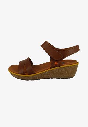 Sandalen met sleehak - cuero
