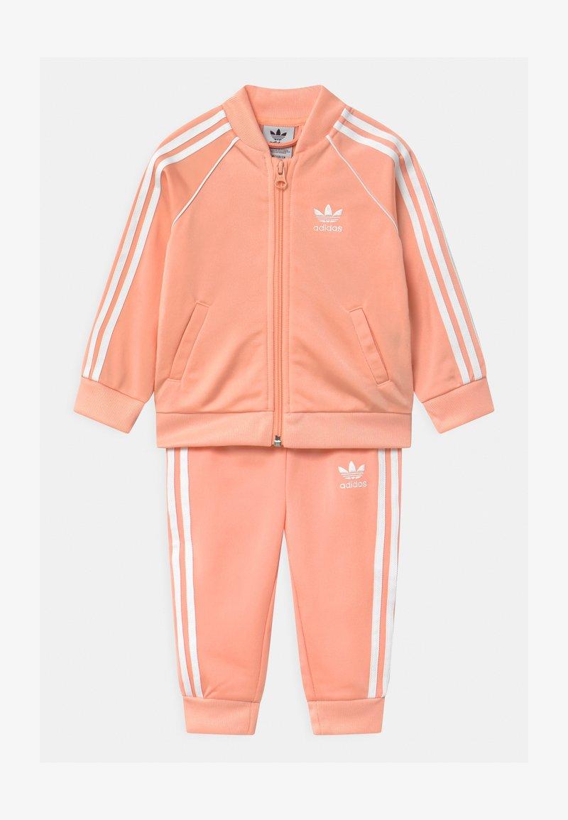 adidas Originals - SLICE TREFOIL CREW ADICOLOR ORIGINALS PULLOVER - Träningsjacka - glow pink/white