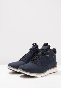 Timberland - KILLINGTON HIKER CHUKKA - Sneakersy wysokie - black iris - 2